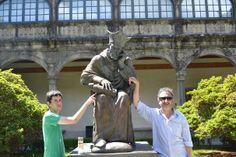 La familia Martos García nos han enviado esta bonita foto con el arzobispo Fonseca, en Compostela! Maravillosa!