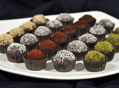 Chocolate Balls with Biscuits, Dessert recipes Dessert Recipes, Dinner Recipes, Sweet Cookies, Mini Cupcakes, Recipe Box, Tart, Waffles, Biscuits, Muffin