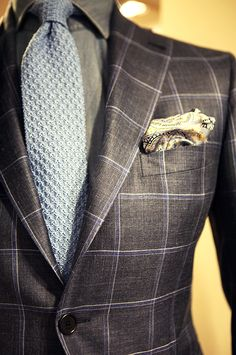 Windowpane pattern. More about suit patterns on: http://www.moderngentlemanmagazine.com/mens-suit-patterns/