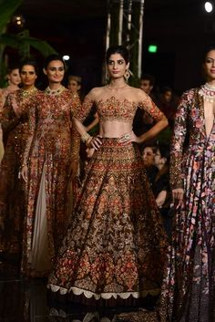 Global market Leader in Ethnic World, we serve End 2 End Customizable Indian Dreams That Reflect with Amazing Handwork & Unique Zardosi Art by Expert Workers Worldwide . Indian Bridal Fashion, Indian Bridal Wear, Indian Wedding Outfits, Bridal Outfits, Indian Outfits, Bridal Dresses, India Fashion, Asian Fashion, Pakistani Dresses