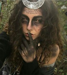 18 Halloween-Teufel-Make-upideen für Mädchen u. Frauen 2018 - #Frauen #für #HalloweenTeufelMakeupideen #mädchen