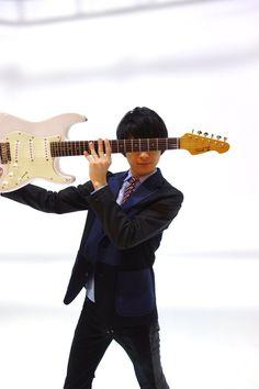 @GiGS_Official 【GiGS4月号/2月27日発売】 いよいよ明日は発売日! UNISON SQUARE GARDENの音楽は、ライブはなぜ魅力的なのか!? その真相を暴くべく、大ボリュームでお送りします。記事も写真もお楽しみくださーい!ご感想リプライもお待ちしてます! #ユニゾン #GiGS  amzn.asia/gebKjF2