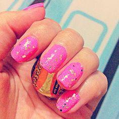 Sparkle Gold Nails.