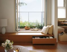 like the window seat for the family room and idea of storage in seat Home Room Design, Living Room Designs, House Design, Japanese Interior Design, Built In Seating, Japanese House, Japanese Living Rooms, Küchen Design, Apartment Interior