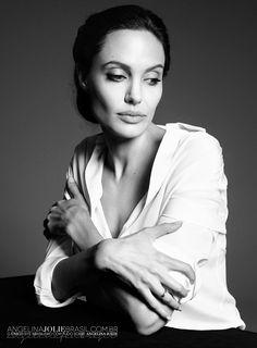 Paola Kudacki - Photoshoots-2014-PaolaKudacki-002 - Angelina Jolie Brasil // Gallery