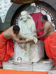 Prayers to Saibaba to bless us all.