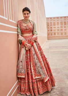 Latest Collection of Lehenga Choli Designs in the gallery. Lehenga Designs from India's Top Online Shopping Sites. Indian Bridal Outfits, Indian Bridal Wear, Indian Designer Outfits, Indian Dresses, Indian Wedding Dresses, Indian Wear, Bridal Dresses, Designer Bridal Lehenga, Bridal Lehenga Choli