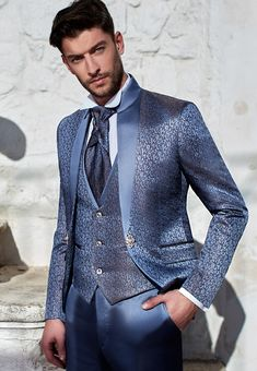 You are in the right place about gray Blazer Outfit Here we offer you the most beautiful pictures about the brown Blazer Outfit you are looking for. Grey Blazer Outfit, Blazer Outfits Men, Fall Blazer, Brown Blazer, Mens Fashion Suits, Mens Suits, Classy Suits, Designer Suits For Men, Tuxedo For Men