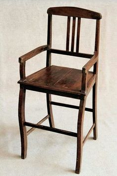Cadeira madeira de barbeiro.  Periodo imperio 1822_1850.
