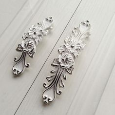 Shabby Chic Dresser Drawer Pulls Handles Off by JackAccessories