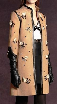 I simply love this coat, the embroidery. Andrew Gn Pre-Fall 2013 Fashion Show High Fashion, Winter Fashion, Fashion Show, Womens Fashion, Looks Street Style, Fashion Details, Fashion Design, Winter Mode, Fall Winter