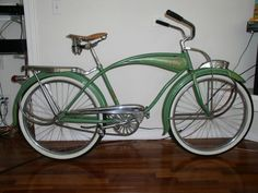 Green 1949 Shelby bicycle…ღ…reépinglé par Maurie Daboux…. Old Bicycle, Cruiser Bicycle, Bicycle Art, Old Bikes, Vintage Cycles, Vintage Bikes, Tricycle, Antique Bicycles, Cool Bicycles