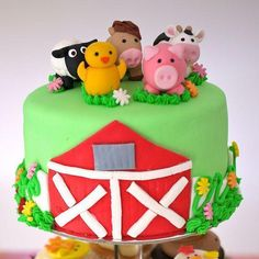 Handmade Farm Animal Cake Toppers by CheekiLili on Etsy Farm Animal Birthday, Farm Birthday, Cow Birthday Parties, Farm Animal Cakes, Farm Cake, Character Cakes, Farm Party, Fondant Figures, Cute Cakes