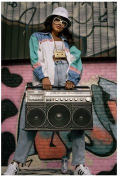 90s Hip Hop Outfits, 80s Party Outfits, 90s Outfit, Sporty Outfits, Old School Art, Mode Old School, Hip Hop 90, Hip Hop Girl, Fille Hip Hop