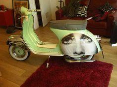 Vespa Wrapping - WANT!!! #vespa ☮k☮ #scooter #green