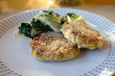 Diese Laibchen eignen sich als Patties für vegane Burger oder einfach so als Hauptspeise mit einer Sauce und Salat dazu.