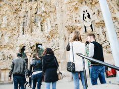 Y contemplaron la majestuosidad de esas figuras // Barcelona by migueltoribio