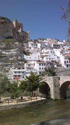 Castilla la Mancha (Albacete): Alcalá del Júcar. --- Castille la Manche (Albacete): Village d´Alcalá del Jucar. http://es.wikipedia.org/wiki/Alcal%C3%A1_del_J%C3%BAcar