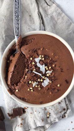 Aquafaba Chocolate mousse - 3 ingredients, vegan and glutenfree