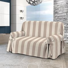 34 DIY Slipcovers For Chairs, Couches and Diy Couch, Diy Furniture Couch, Reupholster Furniture, Furniture Covers, Furniture Makeover, Furniture Stores, Cheap Furniture, Discount Furniture, Diy Sofa Cover