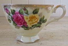 Magnifique tasse antique en porcelaine du Japon