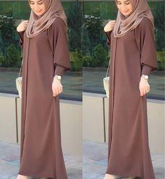 Warna ok Coklat nya spt ini Hijab Gown, Hijab Style Dress, New Abaya Style, Muslim Women Fashion, Islamic Fashion, Abaya Fashion, Fashion Dresses, Estilo Abaya, Abaya Mode