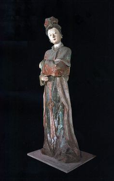Madame de Pompadour (Song dynasty statues of ladies and maids)
