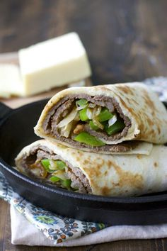 Philly Cheese Steak Wraps are loaded with steak, cheese and veggies! This protein packed meal is a sure crowd pleaser! Wrap Recipes, Steak Recipes, Lunch Recipes, Cooking Recipes, Sandwich Recipes, Dinner Recipes, Fall Recipes, Tostadas, Tacos