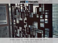 Divisória de Metal com acabamento em Aço Corten projetada pelo Arq. Marcelo Carvalho em parceria com a HS Precisão.