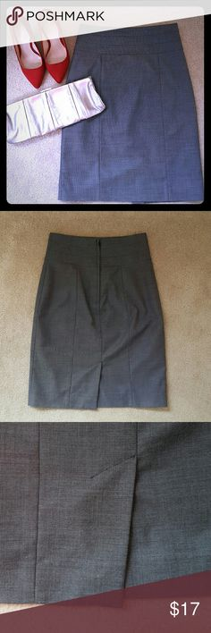 """H&M Pencil Skirt H&M pencil skirt, lined, length is 22 inches, waist is 13"""" laying flat, zips in the back.  Excellent condition. H&M Skirts Pencil"""