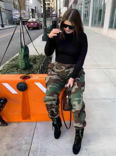 Stylish Outfits, Fashion Outfits, Women's Fashion, Swag, Trendy Girl, Camo Pants, Holiday Fashion, Fall Winter Outfits, Casual Chic