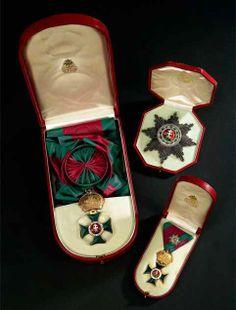 Saint Stephen Order, Grand Cross set of insignia; breast star, sash badge, 'kleinen Dekoration' badge, 1840-1850, Firma Rothe  Neffe, Vienna. 01