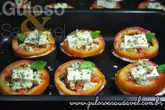 Quer um delicioso aperitivo, entrada ou lanchinho... Esta Bruschetta de Berinjela é rápida, mega fácil de fazer e super leve!  #Receita aqui: http://www.gulosoesaudavel.com.br/2012/12/17/bruschetta-berinjela/