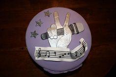 Muziek taart#van m'n eigen verjaardag!!!!!!:)