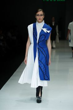 Major Minor | Ready-to-Wear - Spring 2018 | Look 7 Jakarta Fashion Week, Couture Outfits, Spring Outfits Women, Klein Blue, Ready To Wear, Duster Coat, Wrap Dress, Shirt Dress, Clothes For Women