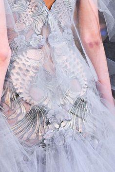 notordinaryfashion: Marchesa - Detail