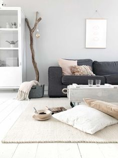 With Suuz styling and interior: Warm white woolly rug - giveaway Rug shed - With Suuz styling and interior: Warm white woolly rug – giveaway Rug shed - My Living Room, Living Room Decor, Contemporary Garden Rooms, Student Room, Beautiful Living Rooms, Rustic Decor, Living Room Designs, House Design, Interior