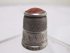 ANTIQUE EDWARDIAN H/M STERLING SILVER AGATE STONE TOPPED THIMBLE - JAMES FENTON