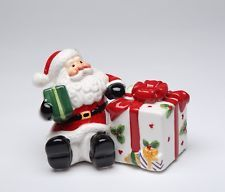 10460 - COSMOS SANTA WITH GIFT BOX SALT AND PEPPER SHAKER SET