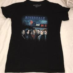 worn New from Hot Topic. All the Characters from the show on the front of the T-Shirt. Its A (Large) in Youth sizes! Riverdale Shirts, Riverdale Fashion, Fashion Design, Fashion Tips, Fashion Trends, Hot Topic, Youth, Characters, T Shirts For Women