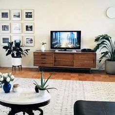 39 best tv wall living room ideas decor on a budget 32 Apartment Furniture, Apartment Living, 60s Furniture, Furniture Design, Boho Living Room, Living Room Decor, Credenza Decor, Tv Stand Decor, Muebles Living
