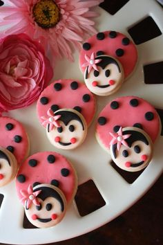 Oooooh, and coccinellas. I love lady bugs.  Okay, that's it. Monkeys, lady bugs, and penguins.  Too adorable.