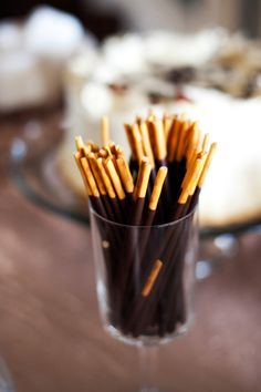 Pocky served at a wedding reception - if I go with a little bit of an Asian/Japanese theme, I might just have to do this! <3