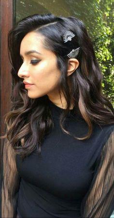 Bollywood Images, Bollywood Actress Hot Photos, Beautiful Bollywood Actress, Indian Bollywood, Bollywood Stars, Bollywood Fashion, Beautiful Actresses, Bollywood Girls, Shraddha Kapoor Hot Images