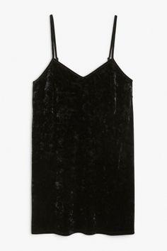 Monki Image 2 of Velvet dress in Black