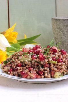 Gránátalmás hajdinasaláta   Ízből tíz Cobb Salad, Food, Essen, Meals, Yemek, Eten