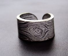 I don't usually like rings that don't connect like that, but I love this design