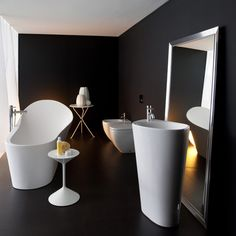 Bathroom design by Ludovica and Poberto Palomba