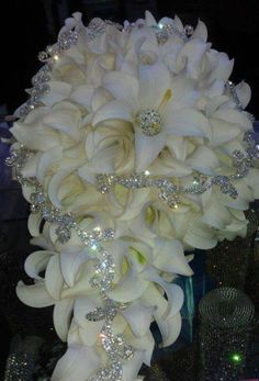 awesome bridal bouquet, shining through bad photo lighting fbcdn-sphotos-f-a. - awesome bridal bouquet, shining through bad photo lighting fbcdn-sphotos-f-a… awesome bridal bouquet, shining through bad photo lighting fbcdn-sphotos-f-a… Wedding Brooch Bouquets, Diy Bouquet, Bride Bouquets, Boquet, Bouquet Flowers, Bling Wedding, Dream Wedding, Wedding Dresses With Bling, Wedding White