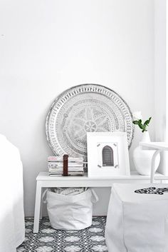 On the gorgeous online store El Ramla Hamra you can find some beautiful Moroccan style interior pieces for your home. Moroccan Design, Moroccan Decor, Moroccan Style, Home Interior Design, Interior Styling, Room Inspiration, Interior Inspiration, Design Marocain, Diy Casa